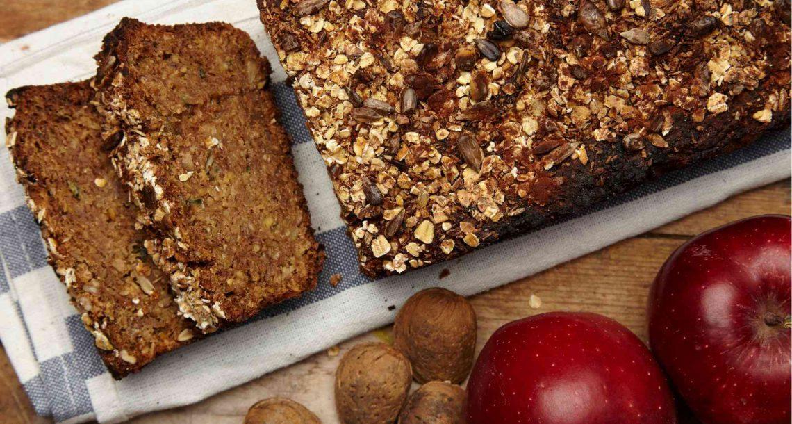 עוגת תפוחים ושיבולת שועל – מתכון ליום העוגה הבינלאומי 26.11